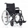 Инвалидная кресло-коляска для ежедневного использования.